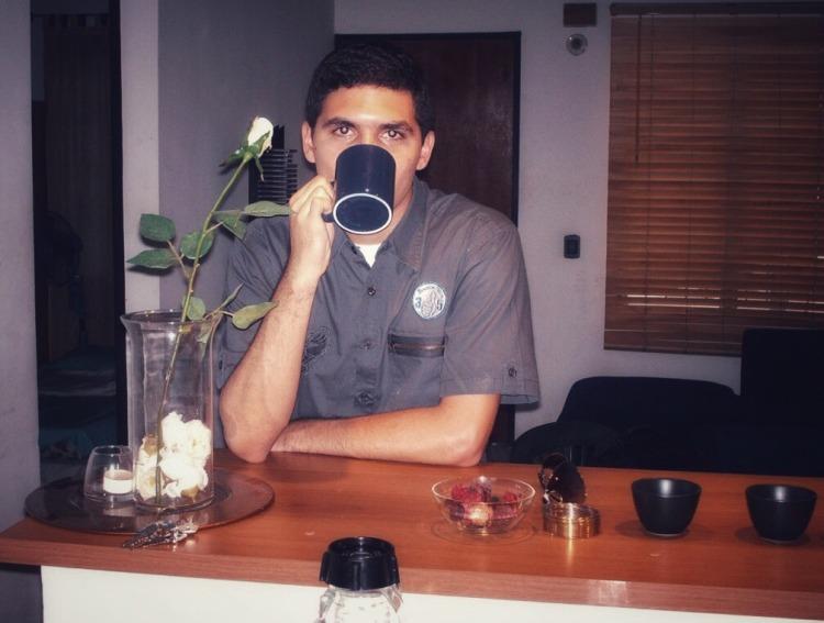 Luis Carlos cafe editada